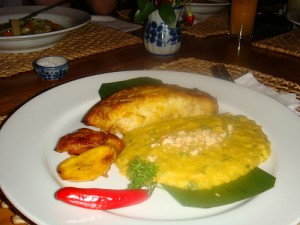 Vatapa with fish and fried plantain